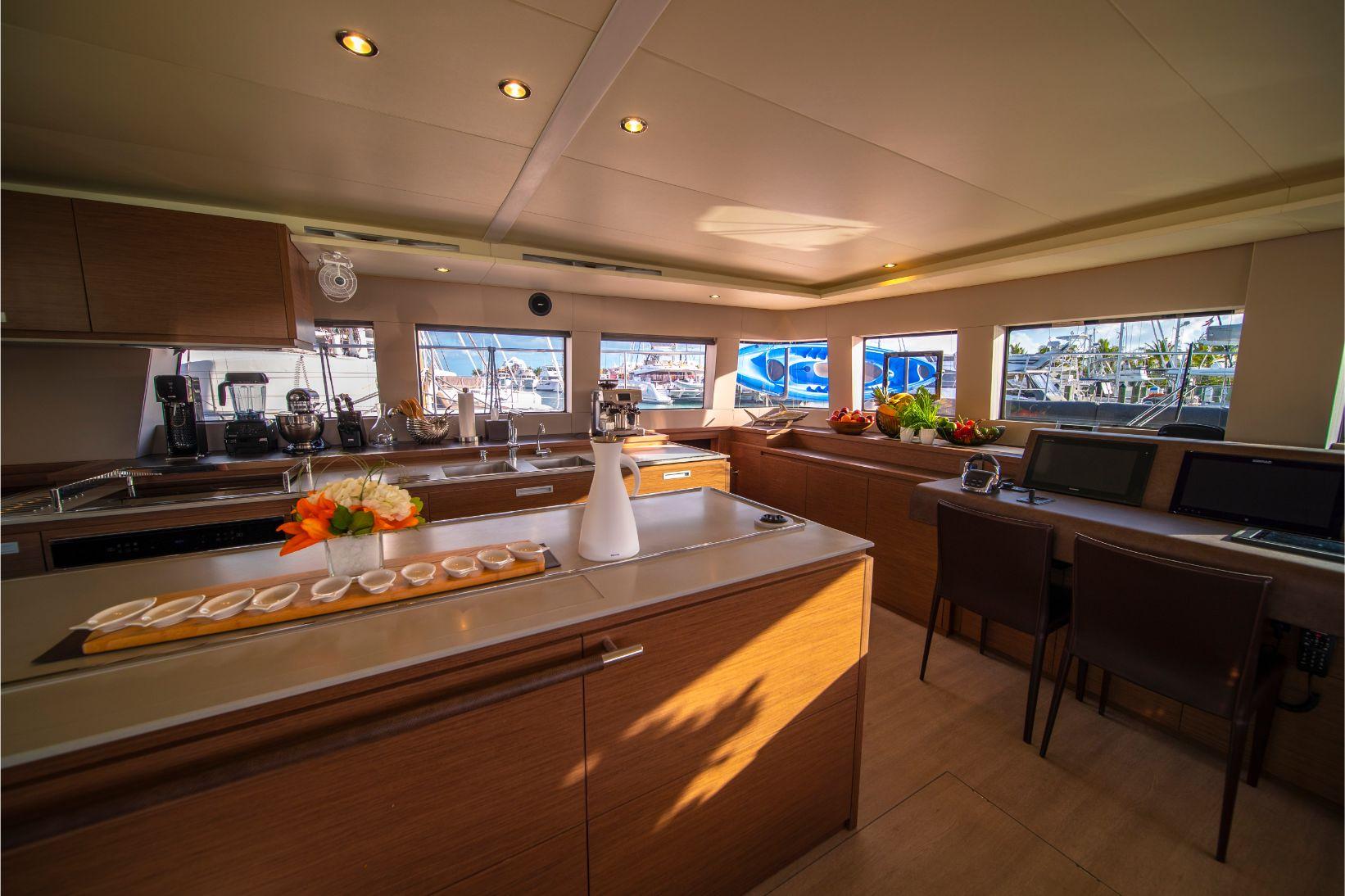 Cuisine ultra moderne du catamaran